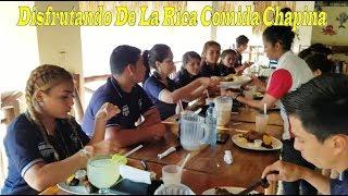 13- Disfrutando de la rica comida chapina - Por primera vez en Guatemala Parte 13