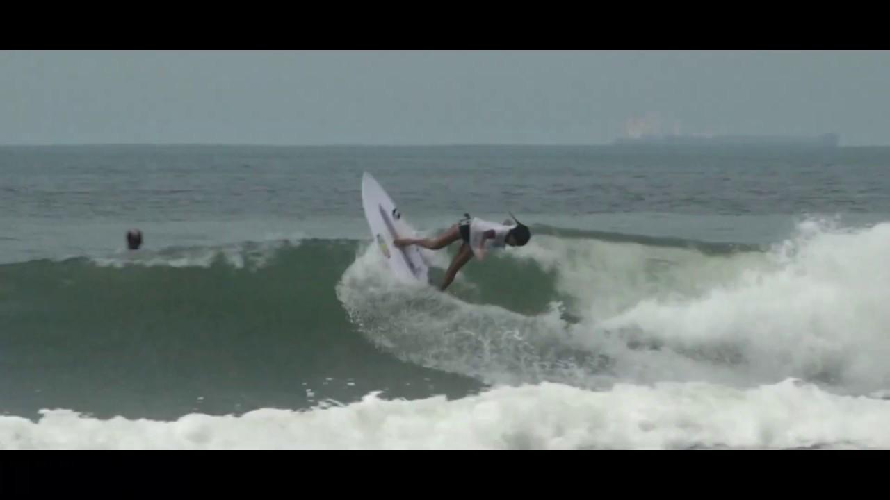 Julia Santos - Tombo Beach