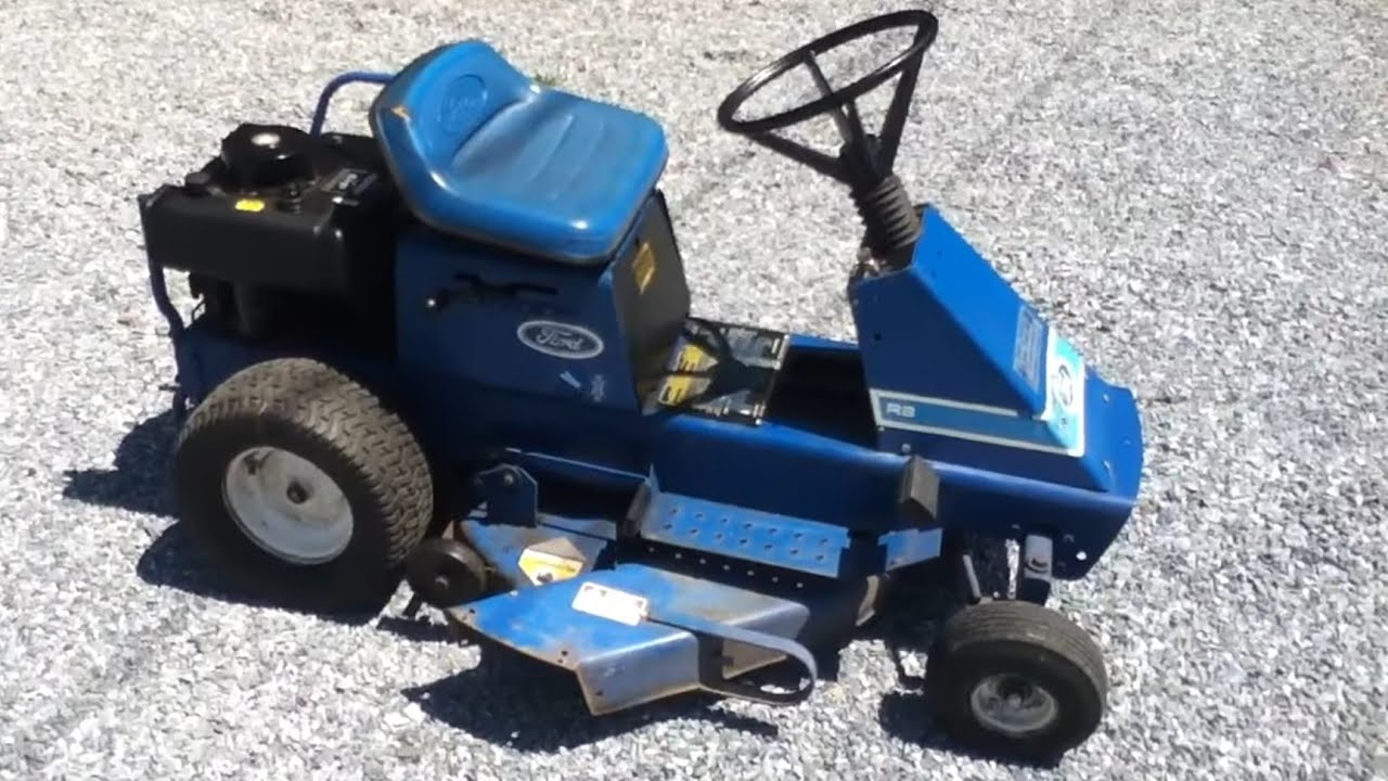 2 Motor Tractor : Antique tractor video ford r rear engine hp briggs and