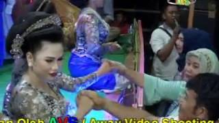 Video JAIPONG CASDI GROUP IN BOS UJANG IBRO KOSAR (Tilil) download MP3, 3GP, MP4, WEBM, AVI, FLV Juli 2018