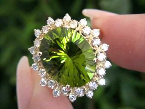 Peridot Wedding Rings | Hayden Panettiere Top Gem Burmese Peridot Diamond Ring Set In