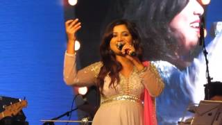 Shreya Ghosal Live Performance - Barso re megha megha