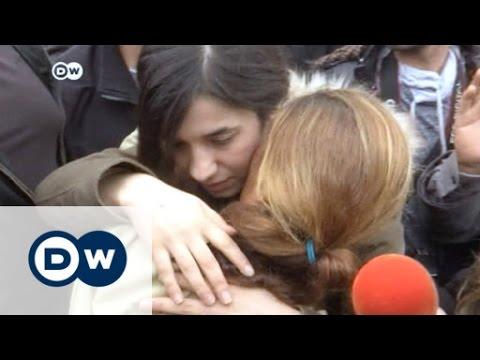 Activistas yazidíes reciben el Premio...