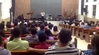 "Igreja Presbiteriana Ebenezer Pastor Marcelo pregaçao ""Compromisso com Deus"" dia 13/04/14"