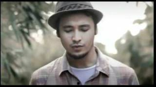 Benci Tapi Rindu (Tribute To Rinto Harahap) « Sony Music Indonesia.flv