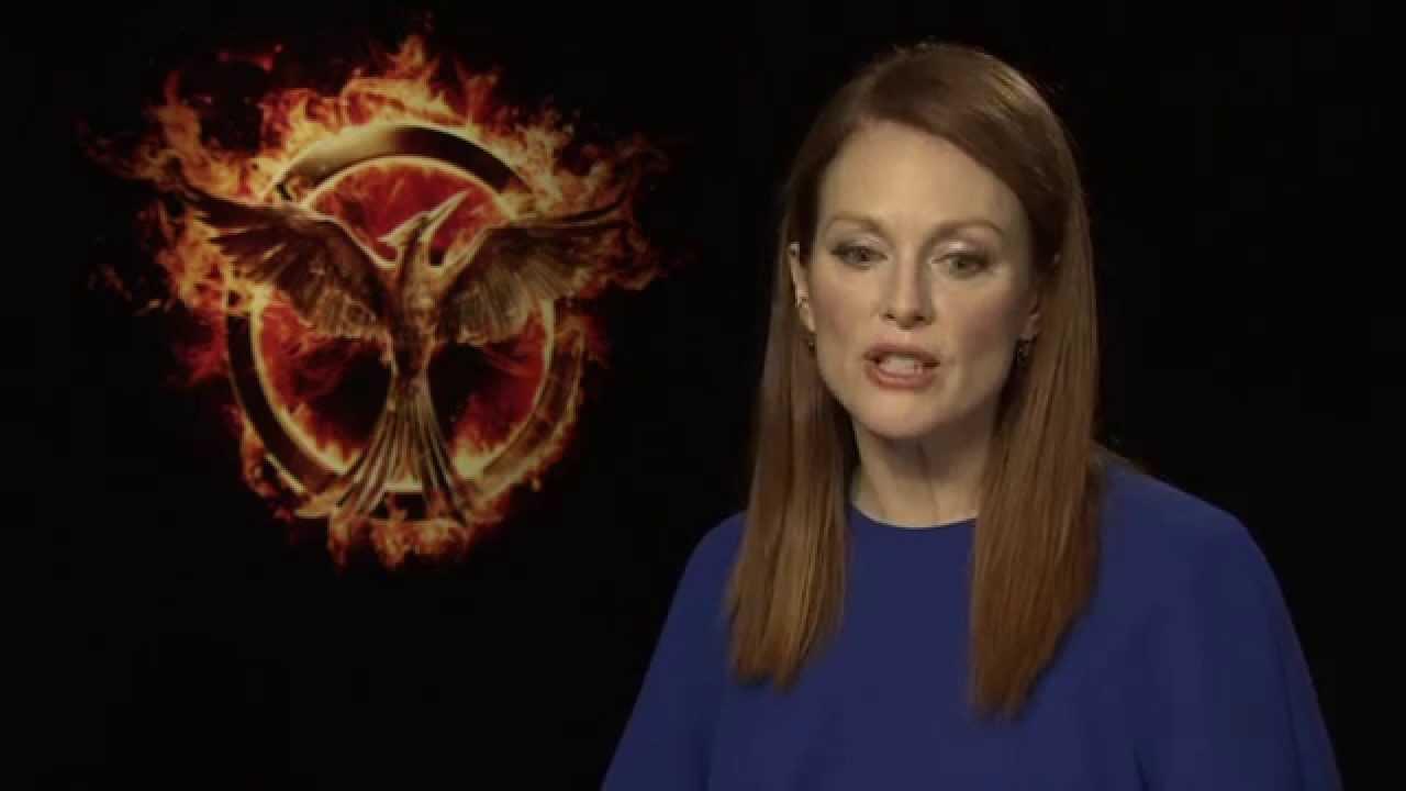 Julianne Moore - The Hunger Games: Mockingjay Part 1 - YouTube