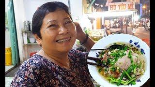 Xe hủ tiếu của bà Tám vui tính nhất Sài Gòn/ Không chồng nhận 2 con nuôi