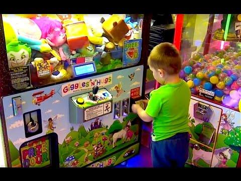 Игровые автоматы в Giggles and Hugs. Выигрываем призы.