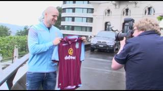 Philippe Senderos signs for Aston Villa