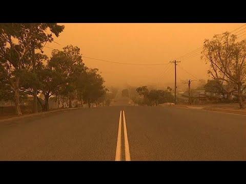 Avustralya'nın Broken Hill kasabasında gökyüzü toz bulutuyla kaplandı