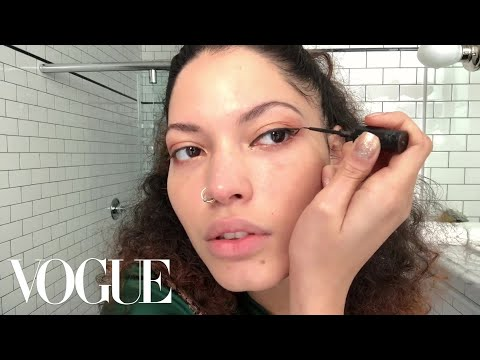 R&B Singer Maxine Ashley Has the Secret to a Perfect Cat Eye   Beauty Secrets   Vogue