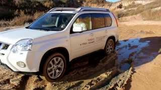 Тест-драйв автомобиля Nissan X-Trail