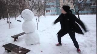 Как отпиздить снеговика!...
