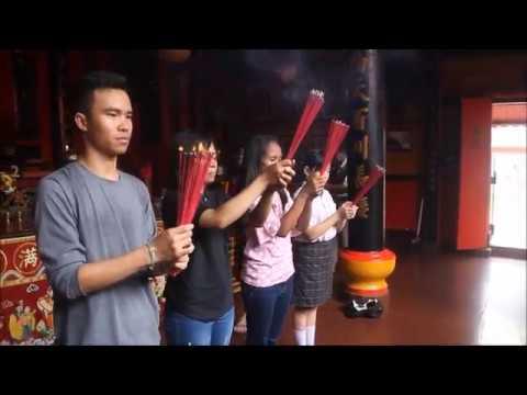 Proses sembahyang umat Kong Hu Cu