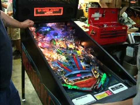 54 Stern Independence Day Pinball Machine With Saucer Led