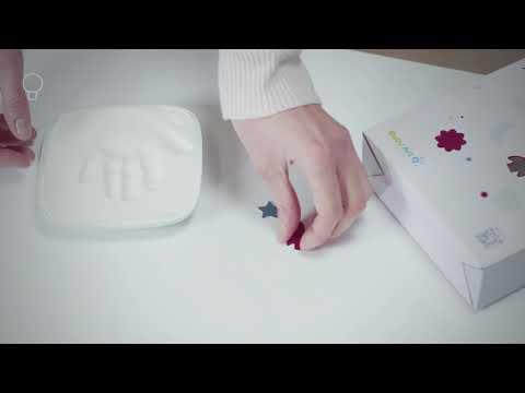 Baby Art Hello Baby - кутия за отпечатък с вишнева основа и прозрачен капак #BYmwTYVjs1M