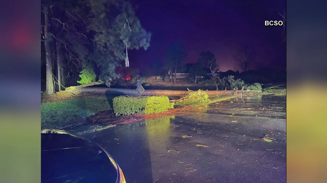 At least 3 dead, 10 hurt after tornado rips through southeastern NC