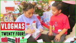 OPENING CHRISTMAS GIFTS! Vlogmas 24, 2015