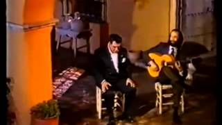 El Garbanzo de Jerez Con Niño Jero En La Puerta del Cante
