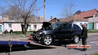 Видео Новости-N: В Николаеве BMW X5 на полном ходу врезался в грузовик
