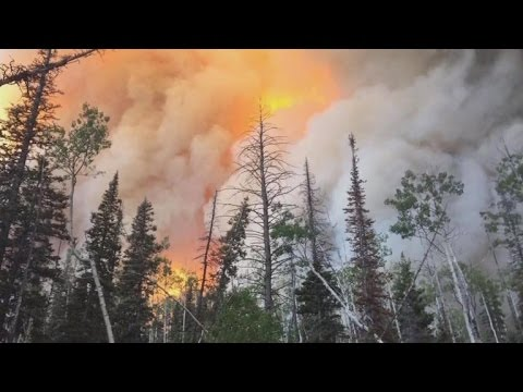 Wind-fueled wildfires lead to evacuations in Utah
