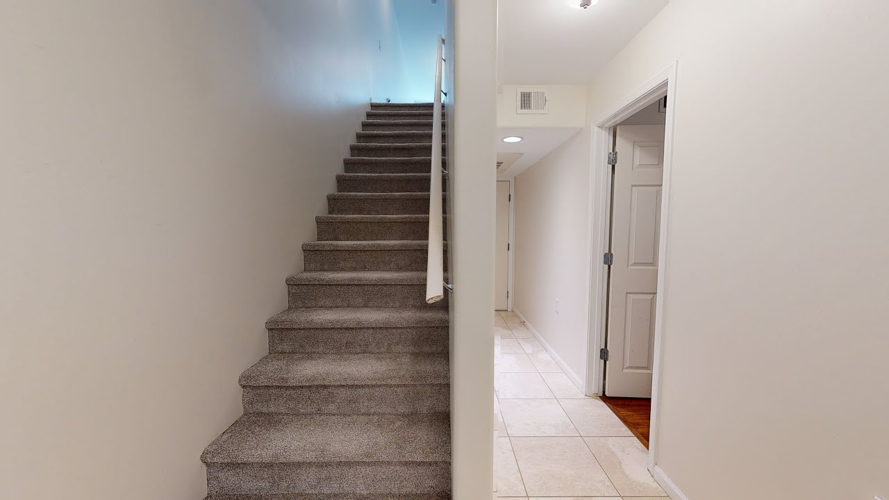 Three Bedroom North Phoenix Townhome for Sale
