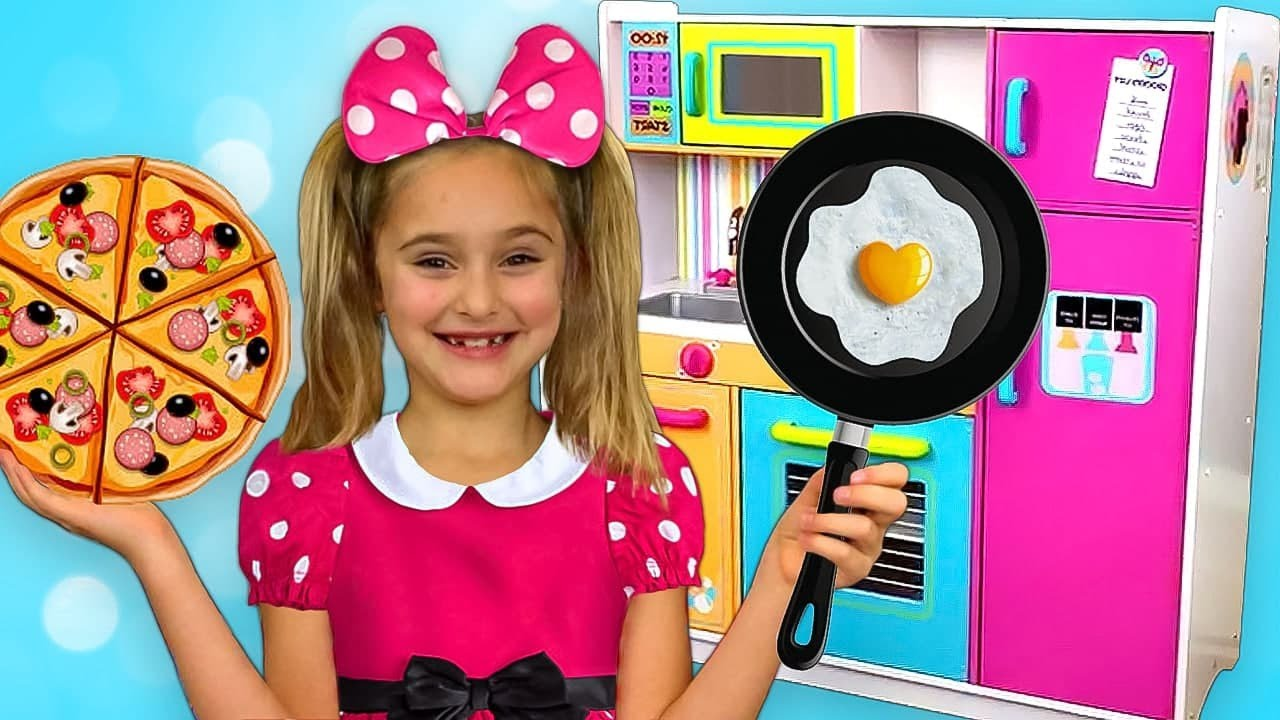 Sasha Go To Minnie And Mickey Mouse Party And Cooking With Toy Kitchen Play Set Youtube