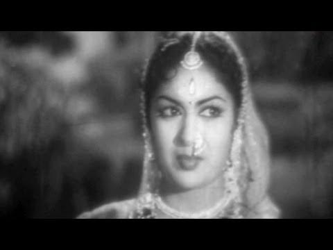 Abhimanam Songs - Madhura Nagarilo - Savitri
