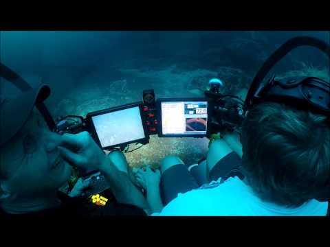 Beautiful Small Personal Submarine Underwater Video by SEAmagine