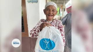 Indonesian Muslims distribute aid during Ramadhan