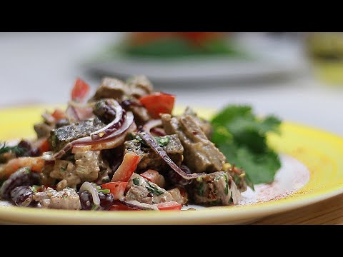 Острый мясной салат ПО- ГРУЗИНСКИ с мясом, гренками и фасолью