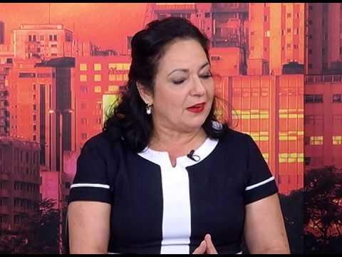 Lélia Cardamone fala sobre aleitamento materno