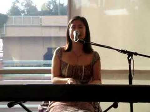 Bleeding Love (South Coast Plaza Borders Performance)