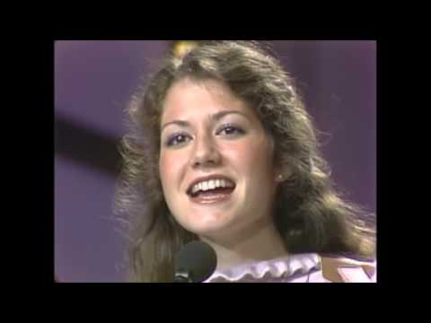 Amy Grant   'My Father's Eyes'   Live 1981