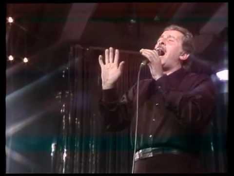Domenico Modugno - Medley: 'U pisci spada, Strada 'nfosa, Resta cu'mme (Live@RSI 1981)