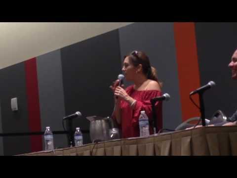 Pink Ranger Amy Jo Johnson talks about new Power Rangers movie
