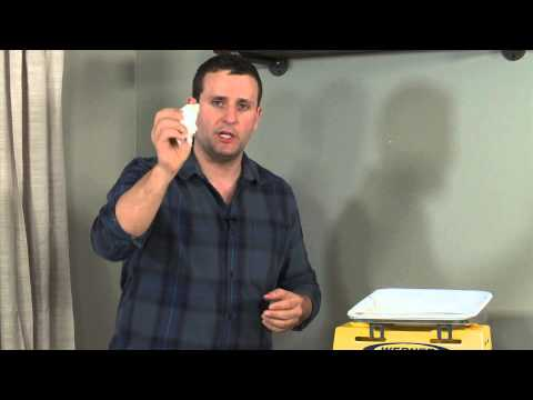 quick-fix:-how-to-repair-nail-holes-in-your-walls