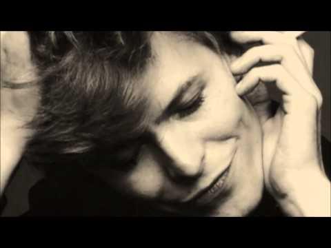 David Bowie - Beauty And The Beast (subtitulada español)