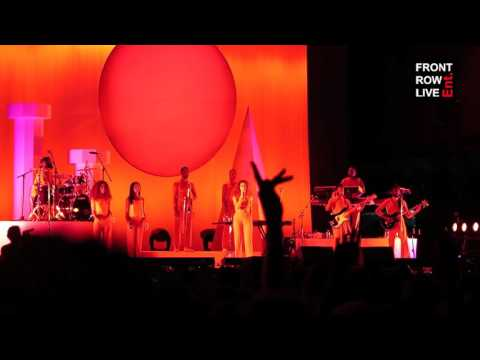 """Solange Performs """"Don't Touch My Hair"""" at FYF Fest 2017"""