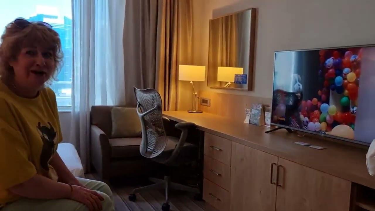 Наш Отель в Дубае. Две кровати на троих