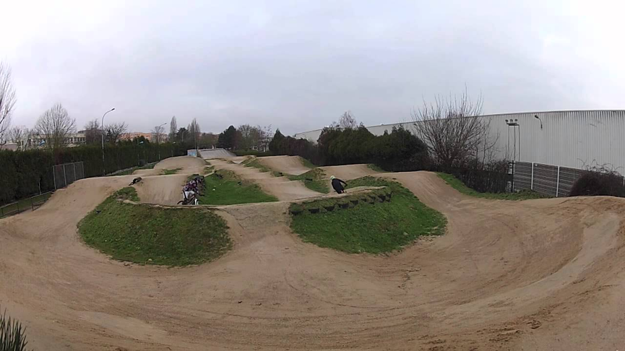 vtt course terrain bmx les clayes sous bois commencal ramones sunn shamann youtube. Black Bedroom Furniture Sets. Home Design Ideas