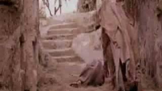 La Passione di Cristo (2005, Mel Gibson) - Incontro tra Gesù e Maria sua madre
