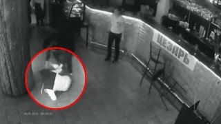 Pervy Customer Gropes Waitress And She Beats Him Up