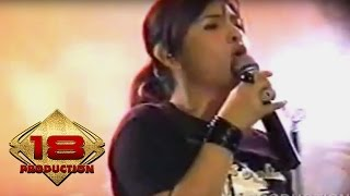 Audy - Temui Aku   (Live Konser Tangerang 26 Desember 2006)