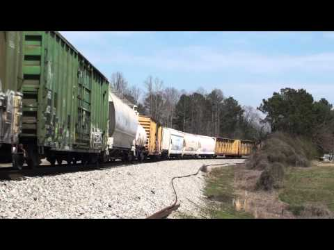 CN C44-9WL #2516 leads NS 335 at Lynn, Alabama