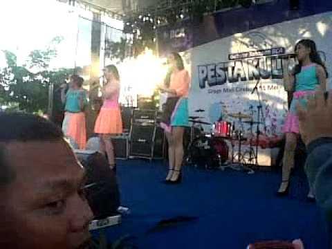 Blink  BlinkStar Perfome di grage mall Cirebon
