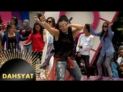 Denada Nyanyi 'Jogetin Aja' Sambil Dance [Dahsyat] [19 Jan 2016] Mp3
