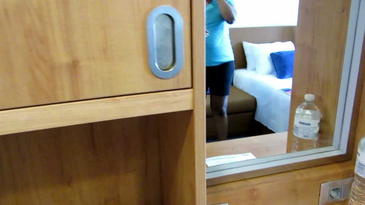 Carnival breeze balcony stateroom 9379 tour youtube for Balcony translate