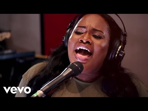 Tasha Cobbs Leonard - Your Spirit    ft Kierra Sheard