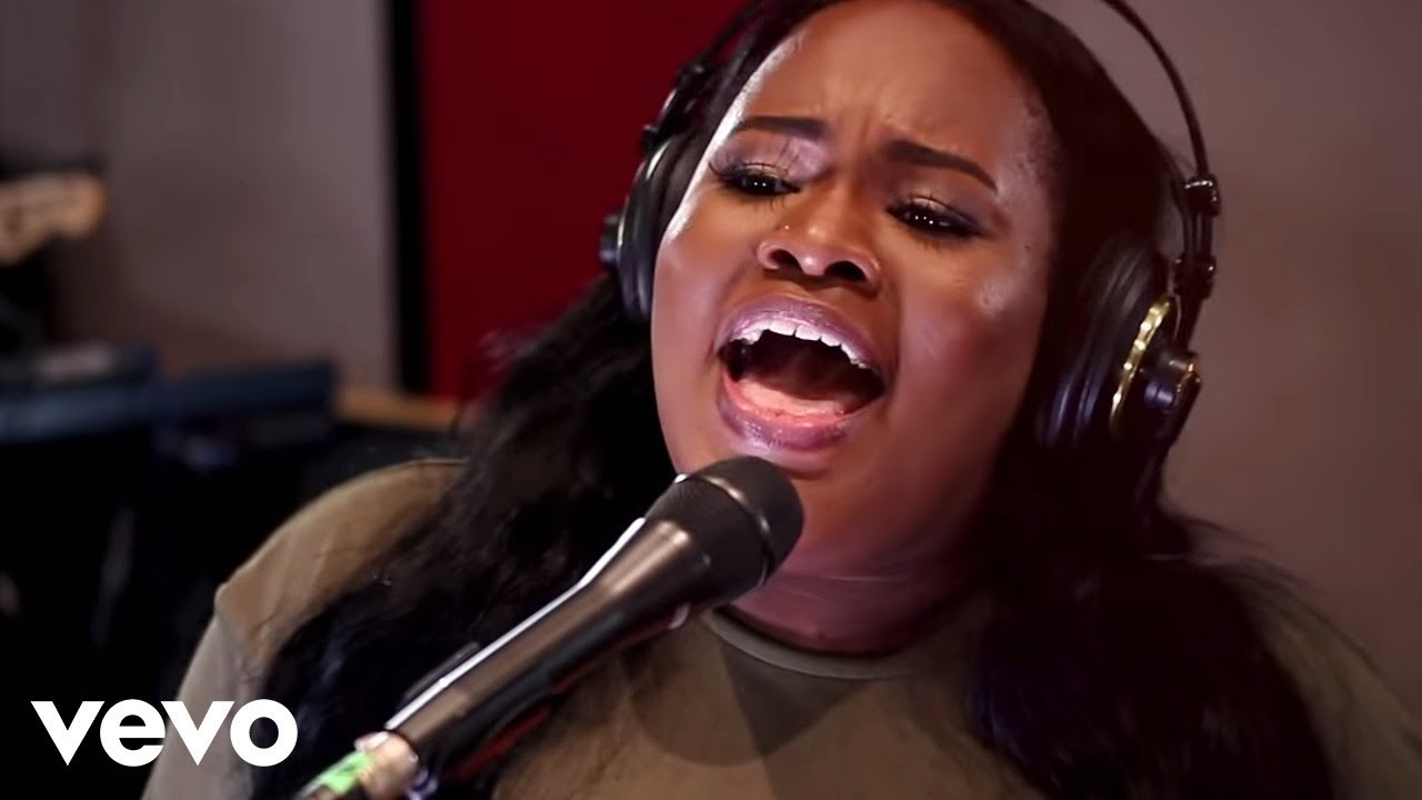 Tasha Cobbs Leonard - Your Spirit ft  Kierra Sheard (Official Video)